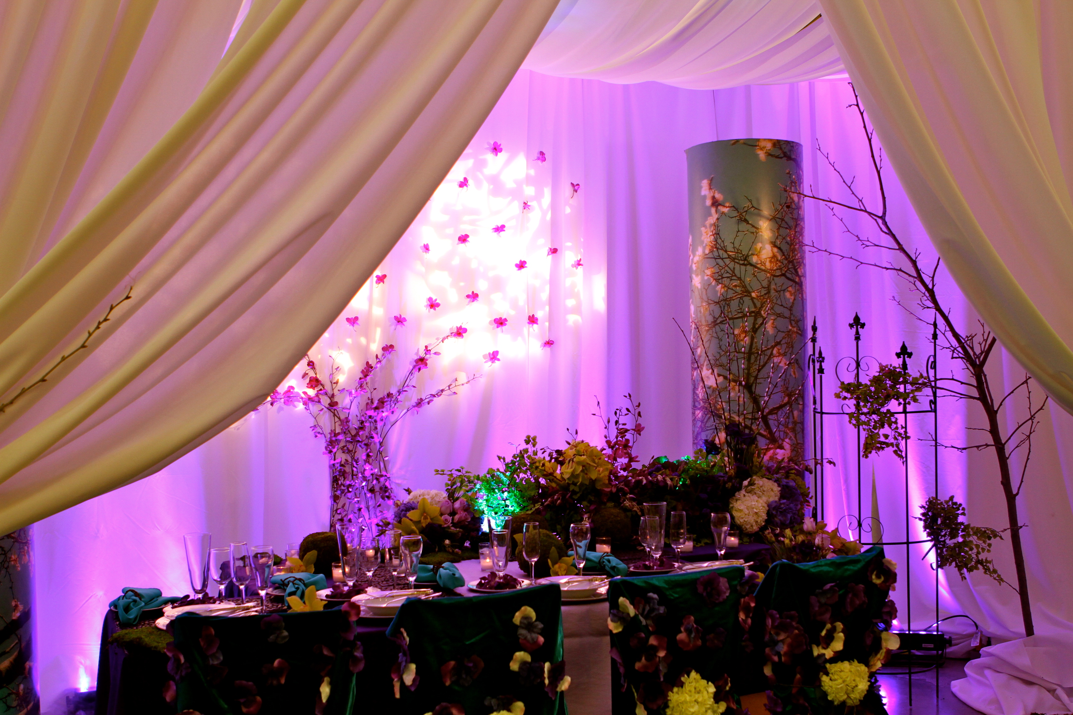 Looking for the enchanted forest schaal 39 s events for Angela florist decoration